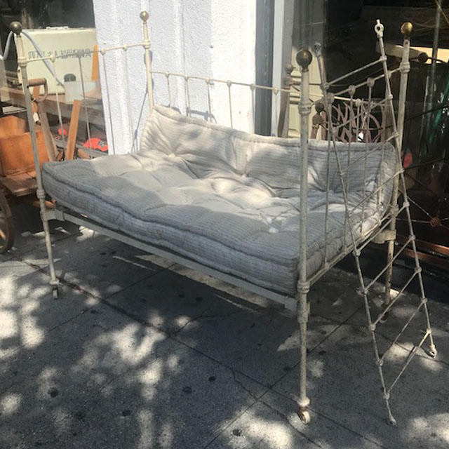 Iron Child's Day Bed